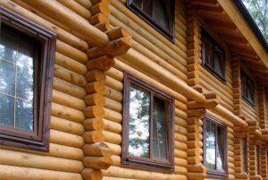 Кашированные окна в деревянном доме