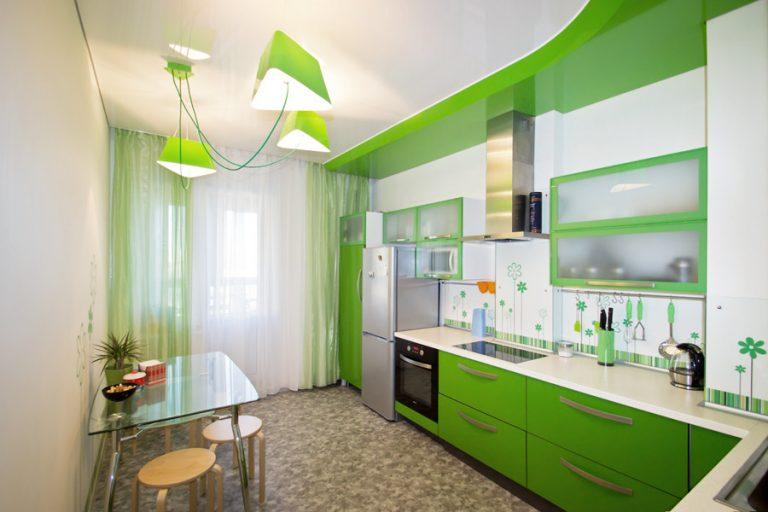 Дизайн натяжных потолков на кухне 9 кв.м